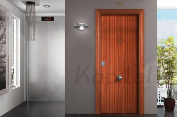 sapelly-liso---puerta-blindada-kapitel-decor